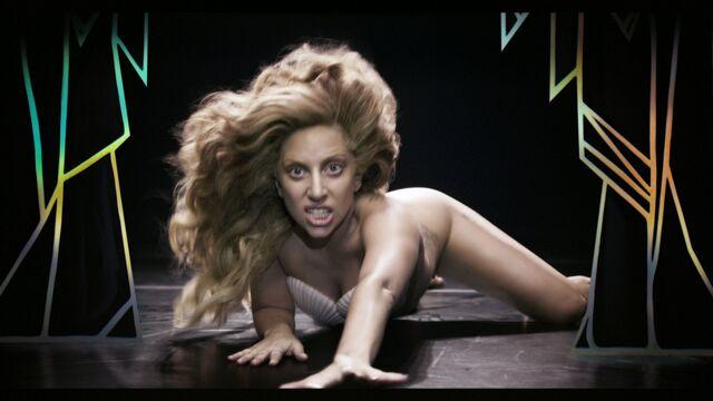 File:Applause Music Video 064.jpg