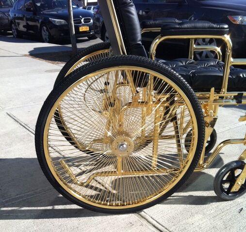 File:Wheelchair by Mordekai 002.jpg