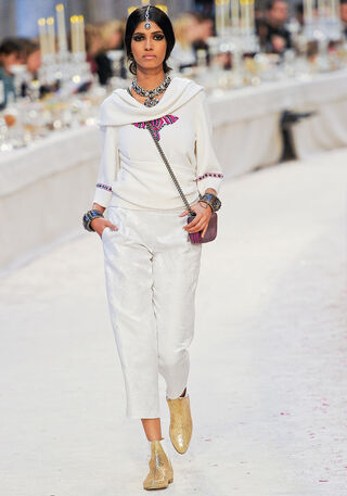 File:Chanel - Pre-Fall 2012 Collection.jpg