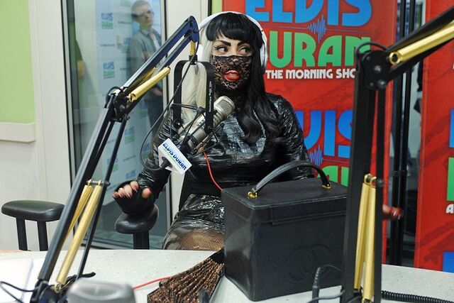 File:7-18-11 Elvis Duran and The Morning Show 001.jpg