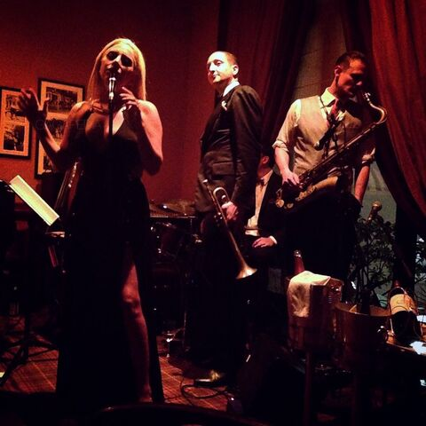 File:7-3-15 Private performance at Hotel De Paris at Bar Americain in Monte-Carlo 001.jpg