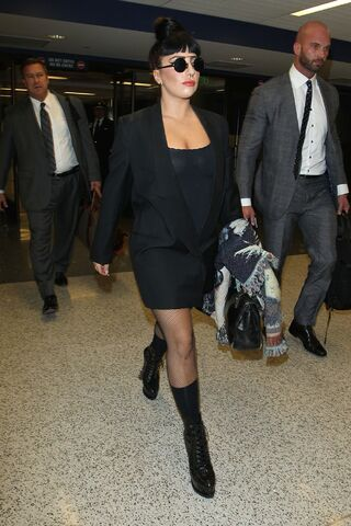 File:9-1-14 Arriving at LAX Airport in LA 001.jpg