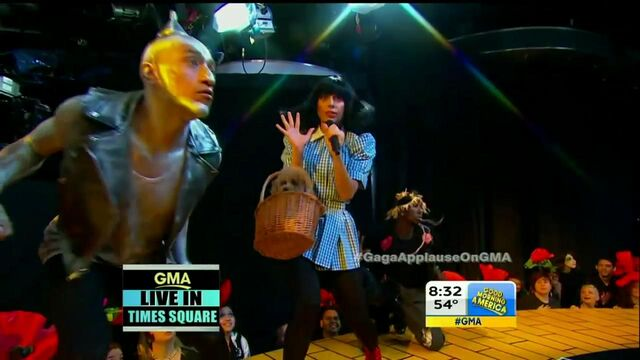 File:9-9-13 GMA Performance 005.jpg