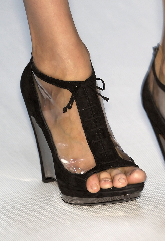 File:Lace Up Wench Booties Fendi.png