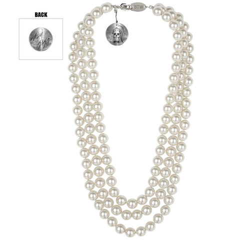 File:Born This Way Ball Pearl Necklace.jpg