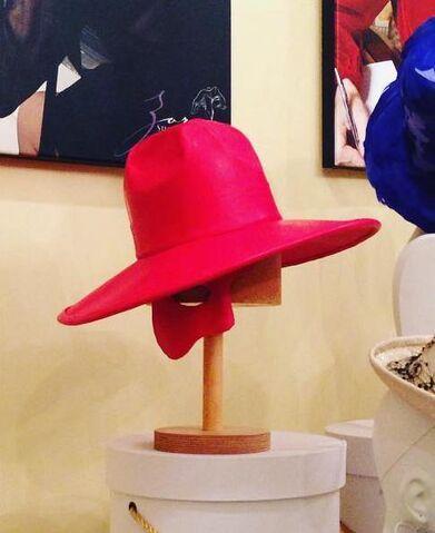 File:Anya Caliendo - Custom Phantom hat.jpg