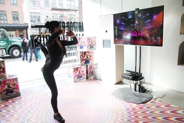 File:ARTPOP Pop Up Just Dance 2014 003.jpg