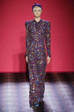 File:Schiaparelli - Haute couture - AW14-15.jpg