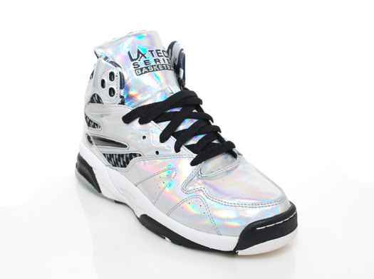 File:LA Gear - Tech Lights sneakers.jpg