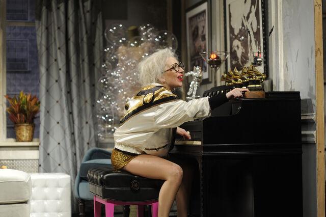 File:11-16-13 SNL Old Lady Gaga 004.jpg