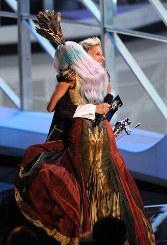 File:9-12-10 MTV VMA - Best Female Video 001.jpg