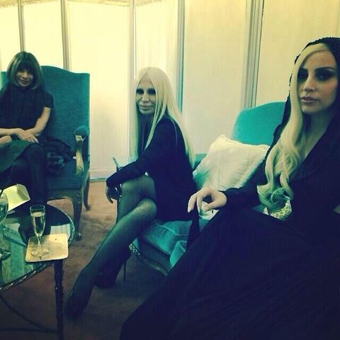 File:1-19-14 At Versace Fashion Show in Paris 004.jpg