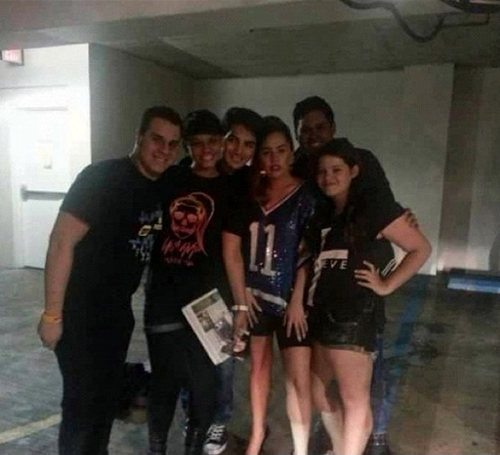 File:11-2-12 Meeting with fans in San Juan 001.jpg