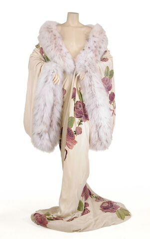 File:John Galliano - F98C - Opulent velvet and fur trained kimono.jpg