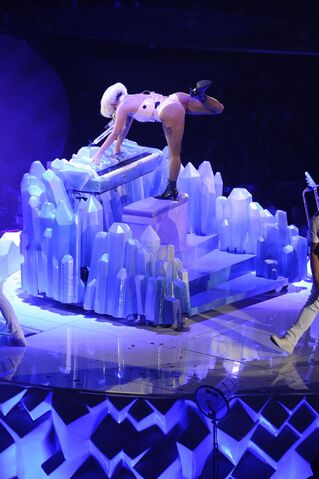 File:9-24-14 You And I artRAVE 3.jpg