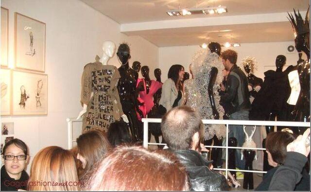 File:Lady Gaga a Gogo.jpg