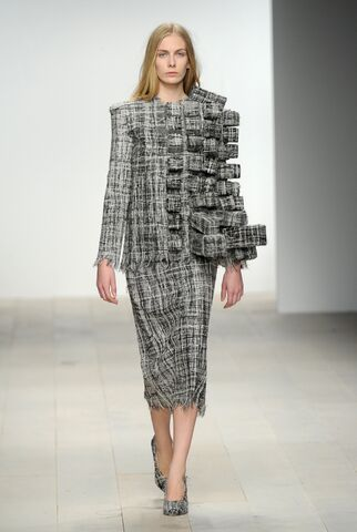 File:Hellen van Rees - Autumn-Winter 2012 Collection.jpg