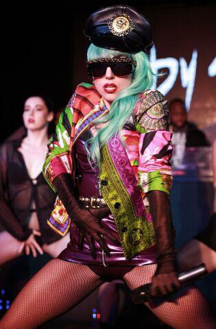 File:7-11-11 At Nevermind Nightclub in Sydney 002.jpg