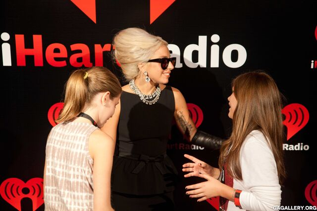 File:9-24-11 At iHeartRadio Music Festival - Backstage M&G 001.jpg