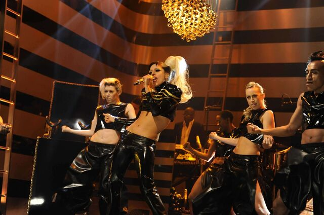 File:5-19-11 SNL Born This Way 003.jpg