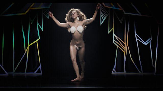 File:Applause Music Video 074.jpg