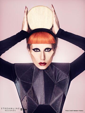 File:Born This Way USB - Mariano Vivanco 003.jpg