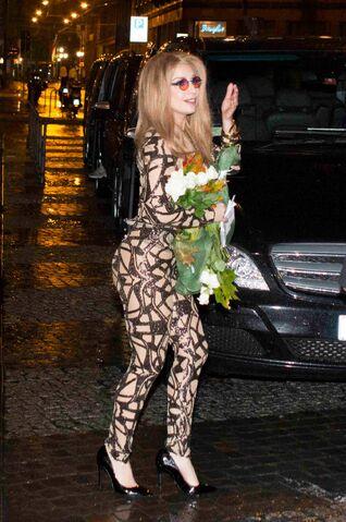 File:11-4-14 Returning at Hotel in Milan 001.jpg