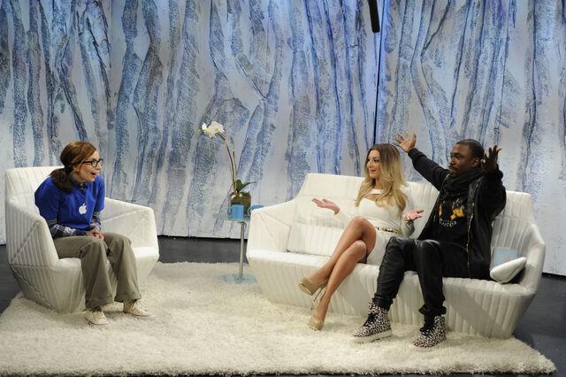 File:11-16-13 SNL Kimye Talk Show 001.jpg