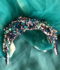 File:Theresa Dapra - Custom crystal headpiece.jpg