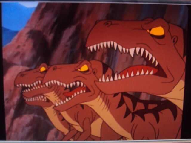 File:4 Angry, Snarling Raptors.JPG