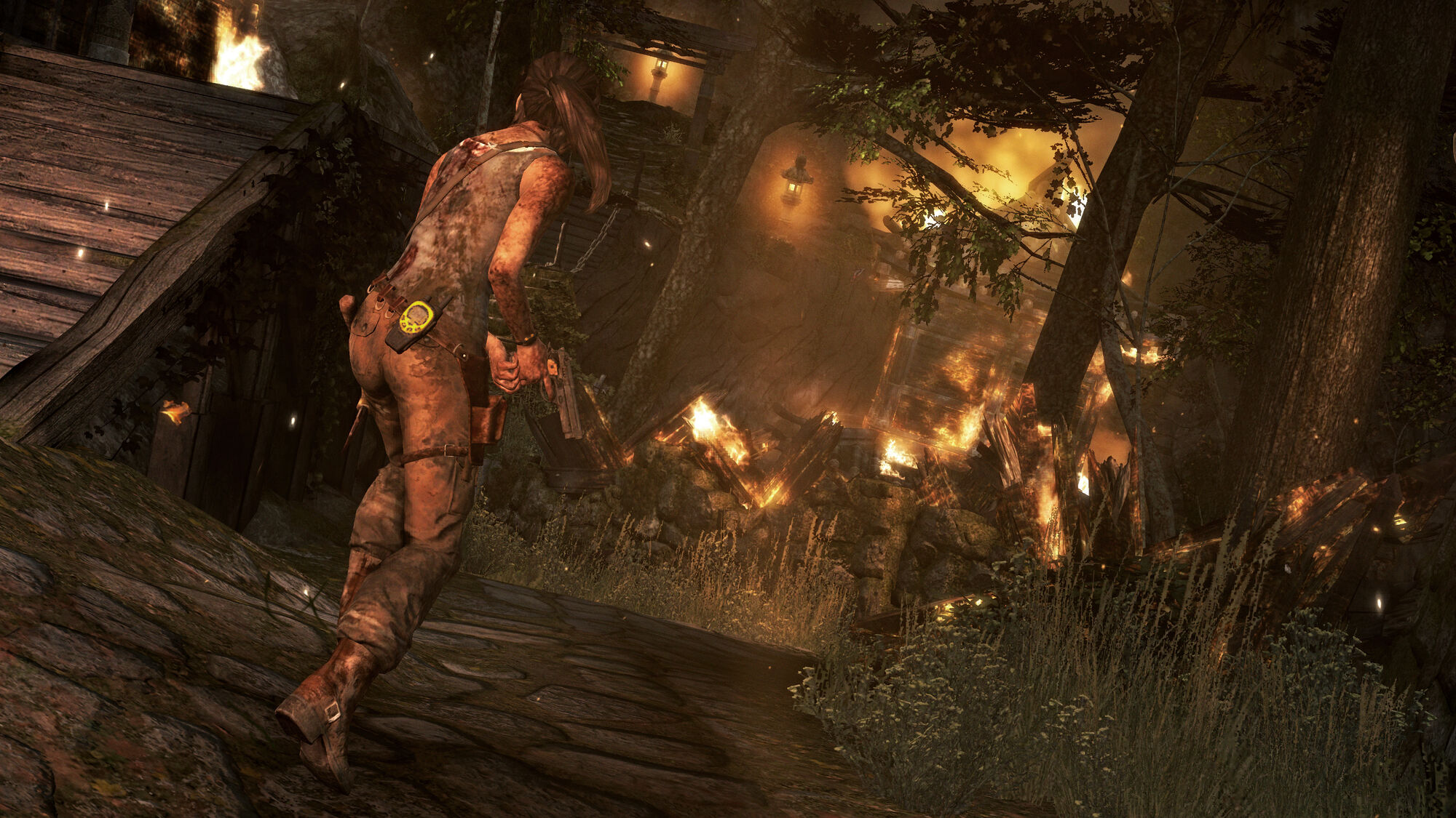 Trainer of tomb raider 2013 to make  naked tube