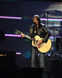 File:Billy Ray Cyruslefthanded.PNG