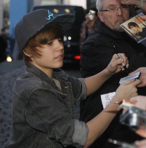 File:Justin Bieber.jpg