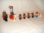 6081 Minifigures