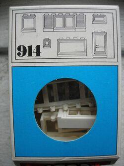 914-Windows, White