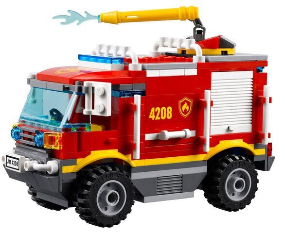 fichier 4208 le camion de pompier tout terrain wiki lego fandom powered by wikia. Black Bedroom Furniture Sets. Home Design Ideas