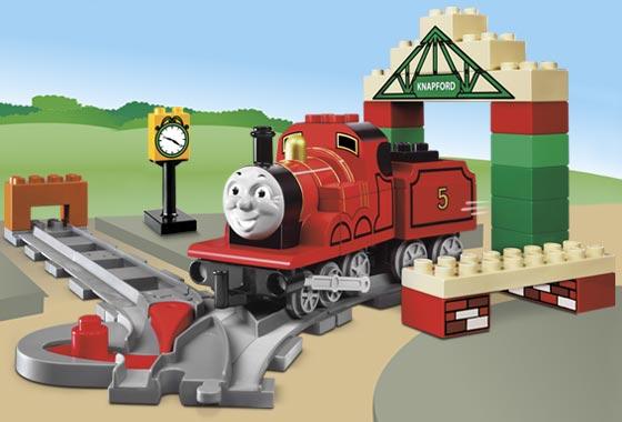 File:5552 James at Knapford Station.jpg