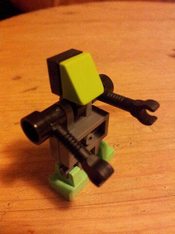 File:Picobot35x.jpg