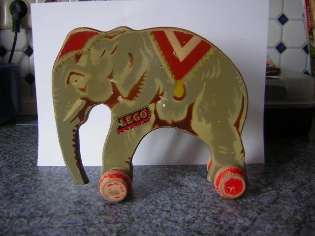 File:Wooden lego elephant2.jpg