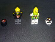 8896 Minifigures Back