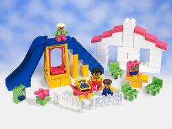 2762 Family Fun Playground