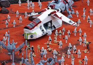 LLD Miniland Star Wars Geonosis 2