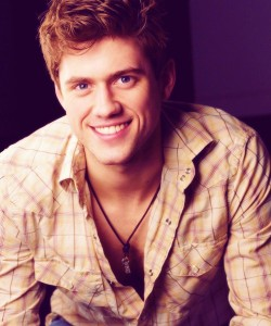 aaron tveit and wife