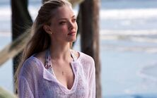 Amanda seyfried in dear john-wide