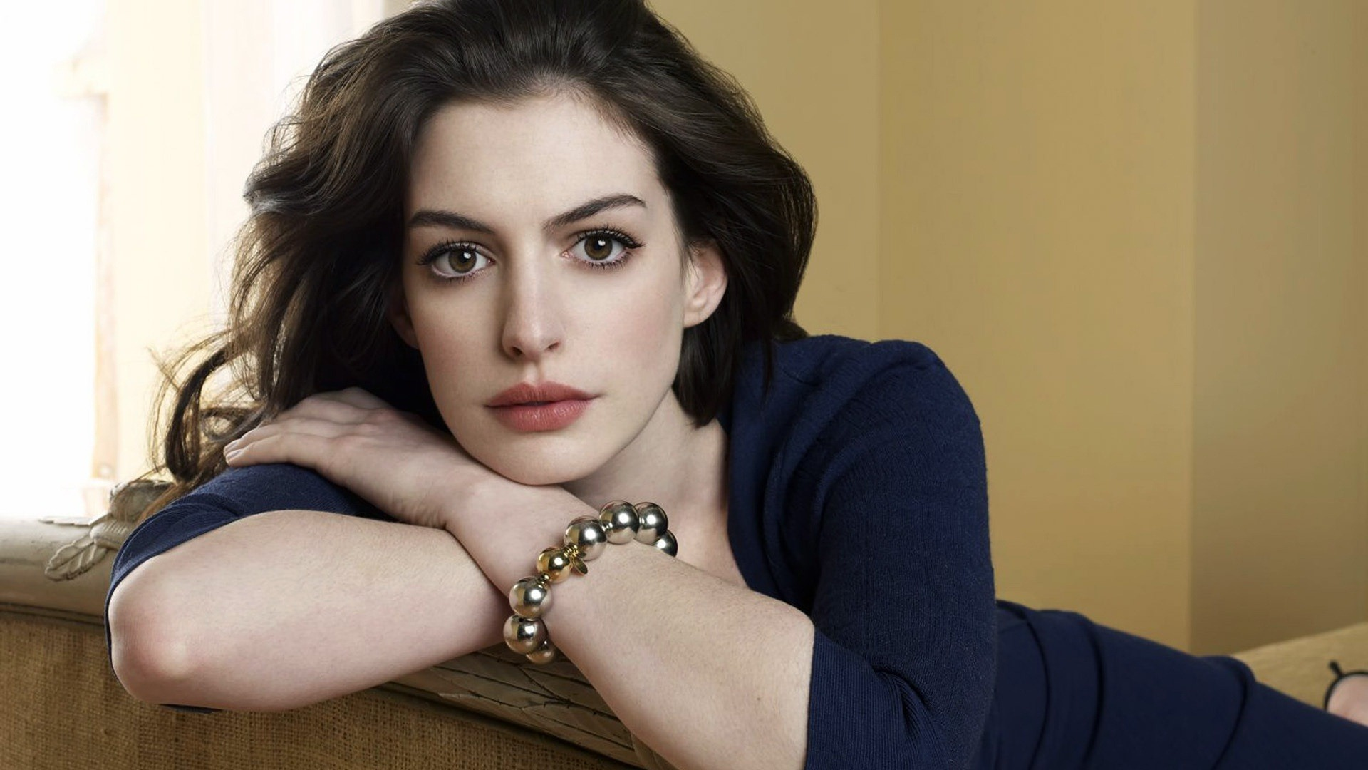 Full resolution  Anne Hathaway
