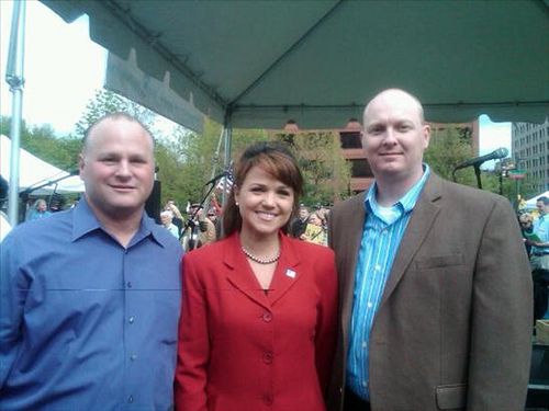 File:Michael Johns, U.S. Senate candidate Christine O'Donnell, and Eric Odom, April 17, 2010.jpg