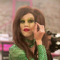 Sharon Needles preparing for her challenge in Season Four Episode Six
