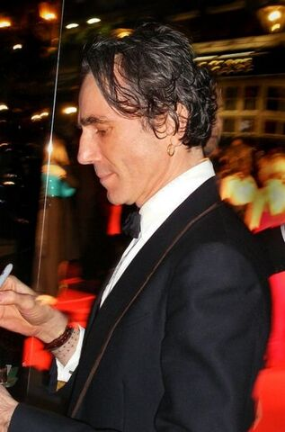 File:Daniel Day Lewis.jpg