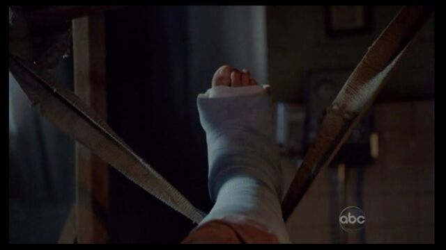 File:Locke 4 toes.jpg