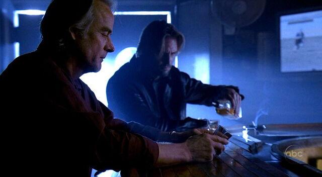ملف:1x16 DrinkingWithJames.jpg